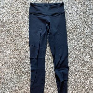 Lululemon wunder under black